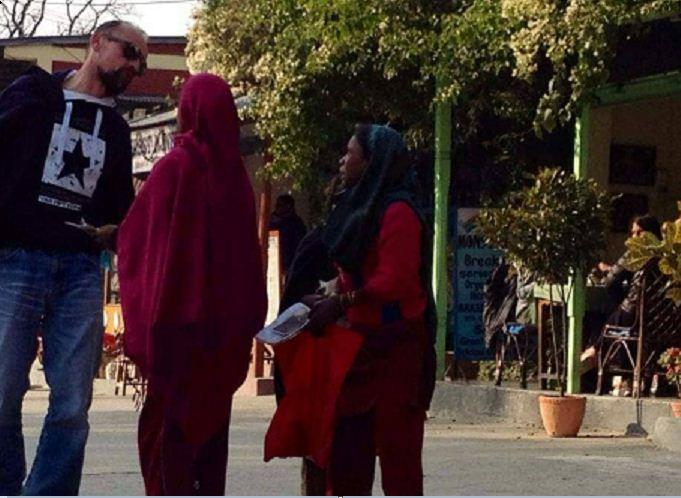 पोखराको लेकसाइड भारतीय माग्नेहरुको अखडा बन्दै